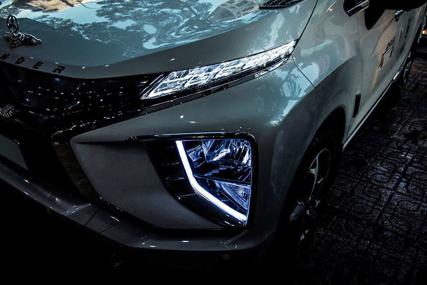 do-den-led-xe-xpander-2018