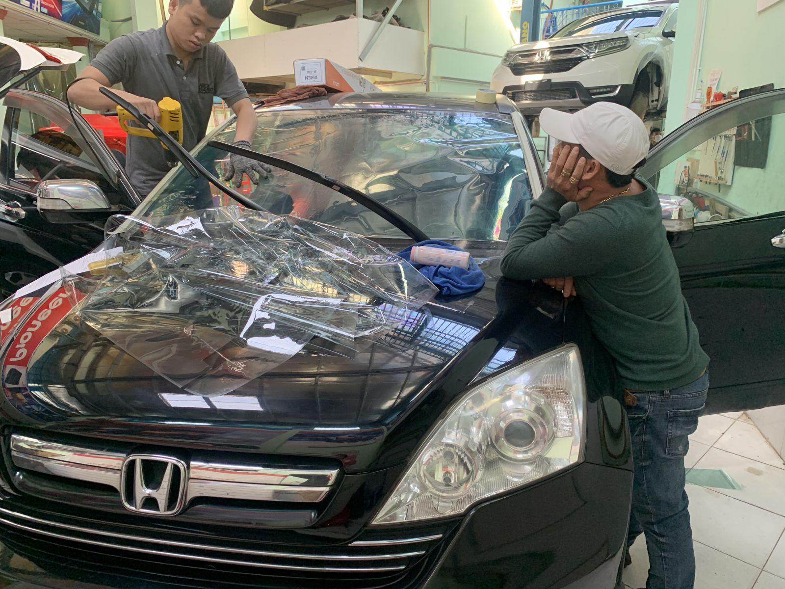 Honda CRV dán phim cách nhiệt Hikool